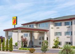 Super 8 by Wyndham Central Pt Medford - Medford - Building