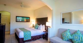 Ports Of Call Resort - Grace Bay - Habitación