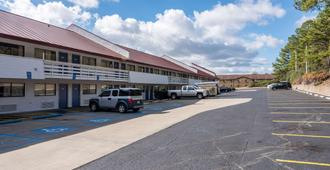 Motel 6 Birmingham - Al - Birmingham - Building