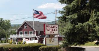 Wagon Wheel Inn - Lenox - Edificio