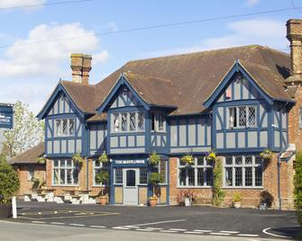The Mayflower - Lymington - Building