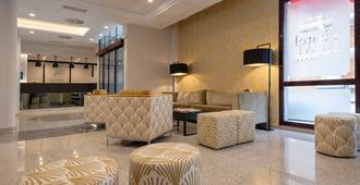 Hotel & Spa Real Jaca - Jaca - Lobi