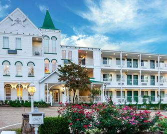 Quality Inn - Eureka Springs - Building