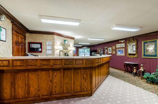 Quality Inn - Eureka Springs - Front desk