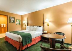 Quality Inn - Eureka Springs - Bedroom