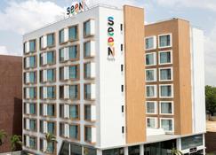 Seen Hotel Abidjan Plateau - Abidjan - Bygning
