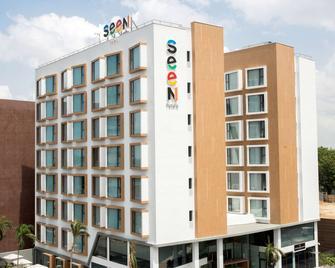 Seen Hotel Abidjan Plateau - Abidjan - Gebouw