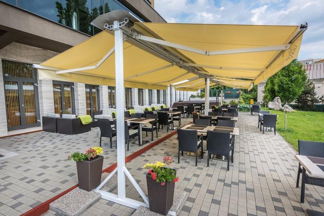 Hotel Yasmin - Košice - Patio