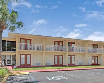 Clearwater Hotel - Clearwater - Edificio