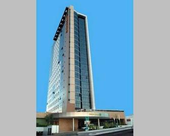 Quality Hotel Manaus - Manaus - Building