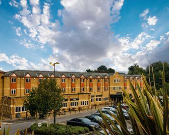 Village Hotel Maidstone - Maidstone - Building