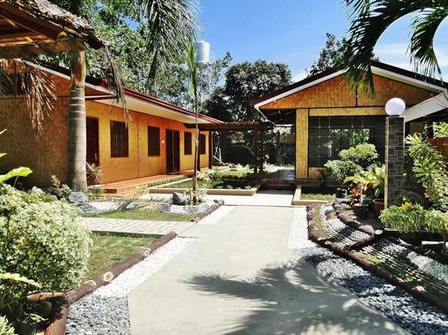Susan's Place Palawan - Puerto Princesa - Rakennus
