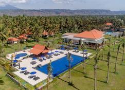 吉打邦英達酒店 - 外南夢 - 巴紐旺宣 - 游泳池