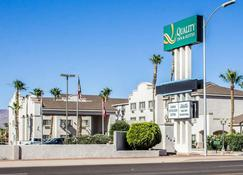 Quality Inn and Suites Safford - Mt Graham - Safford - Building