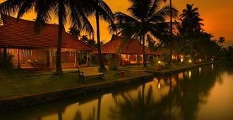 Kondai Lip Backwater Heritage Resort - Alappuzha - Outdoor view