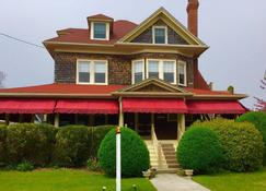 Luther Ogden Inn - Cape May - Building