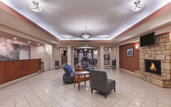 La Quinta Inn & Suites by Wyndham Granbury - Granbury - Aula