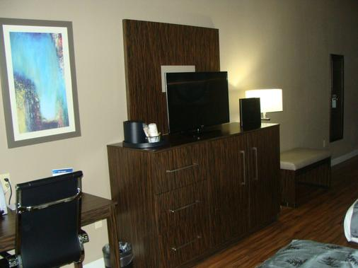 Best Western Plus Pflugerville Inn & Suites - Pflugerville - Rezeption