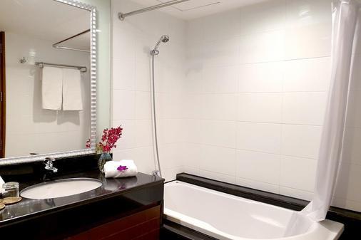 西隆富麗薩通酒店 - 曼谷 - 浴室