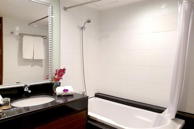 Furamaxclusive Sathorn, Bangkok - Bangkok - Bathroom