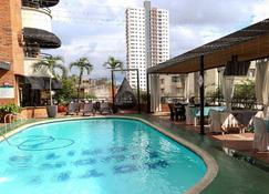 Ayenda 1517 Ciudad Bonita - Bucaramanga - Pool