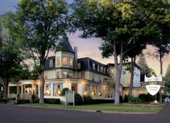 Stafford's Bay View Inn - Petoskey - Edificio