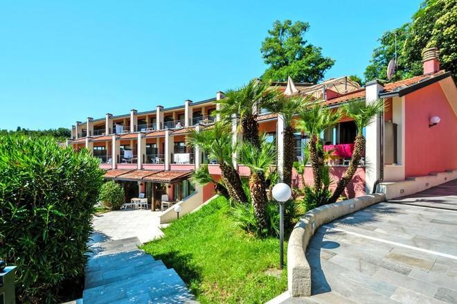 Hotel Belvedere - Manerba del Garda - Building