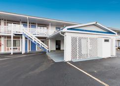 Motel 6 Parkersburg, WV - Parkersburg - Edificio