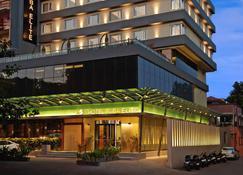 Hotel Suba Elite - Vadodara - Rakennus