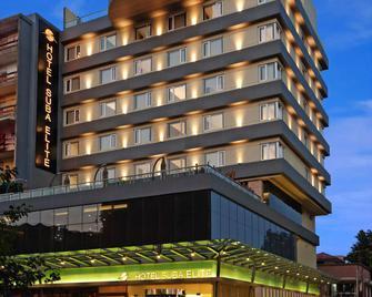 Hotel Suba Elite - Vadodara - Building