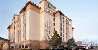 Embassy Suites by Hilton Denver International Airport - Denver