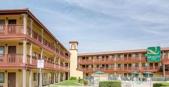 聖貝納迪諾品質酒店 - 聖貝納迪諾 - 聖貝納迪諾