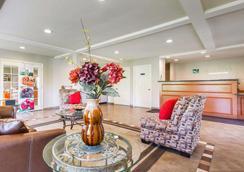 Quality Inn - San Bernardino - Lobby