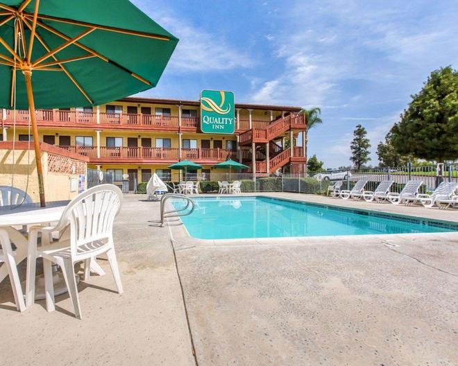Quality Inn - San Bernardino - Pool
