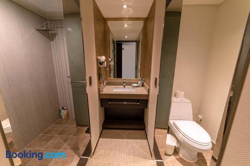 Jeju Stay In Seongsan Hotel - Seongsan-eup - Bathroom