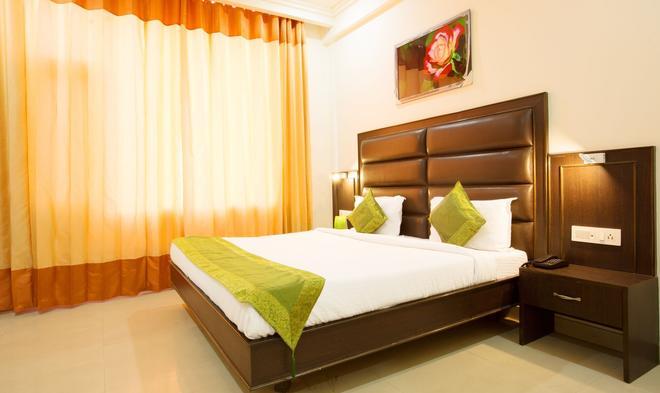 Treebo Dee Intercontinental - Amritsar - Bedroom