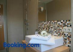 Hotel Linner - Erding - Bathroom
