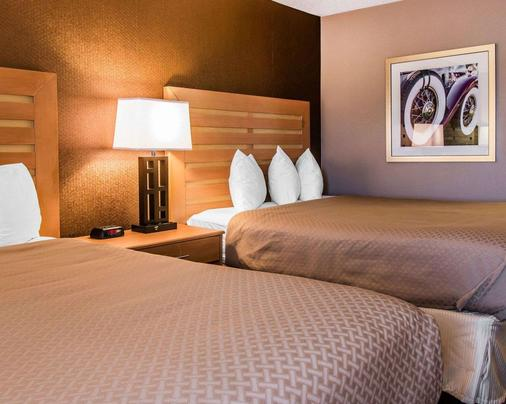 Quality Inn & Suites Warren - Detroit - Warren - Bedroom