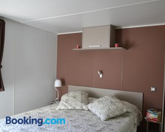 Camping Parc Valrose - La Londe-les-Maures - Bedroom