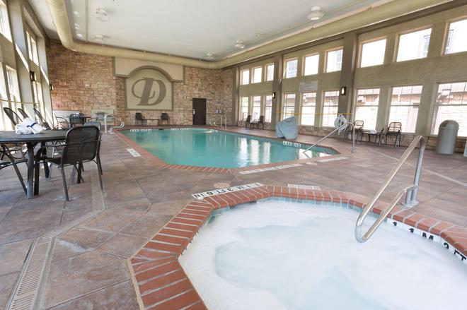 Drury Inn & Suites San Antonio North Stone Oak - San Antonio - Pool