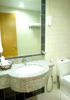 蒙特利爾納伊夫酒店 - 杜拜 - 浴室