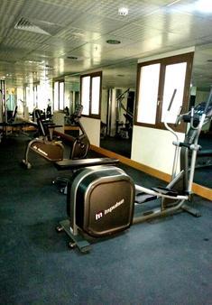 蒙特利爾納伊夫酒店 - 杜拜 - 健身房