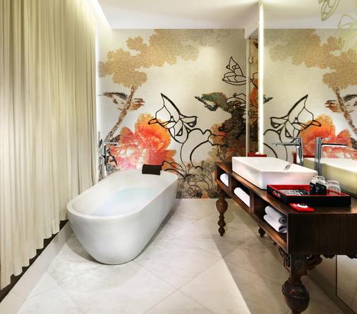 Mira Moon - Hong Kong - Bathroom
