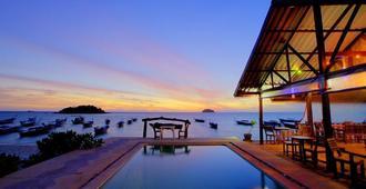 Lipe Power Beach Resort - קו ליפה - בריכה