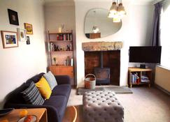 Heritage Millworkers Cosy Cottage - Saltaire - Wohnzimmer