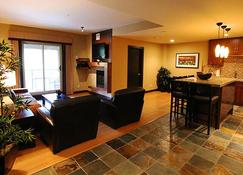 Silver Creek Lodge - Canmore - Sala de estar