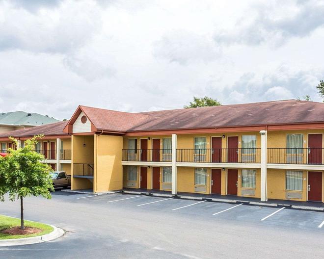 Econo Lodge Coliseum - North Charleston - Rakennus