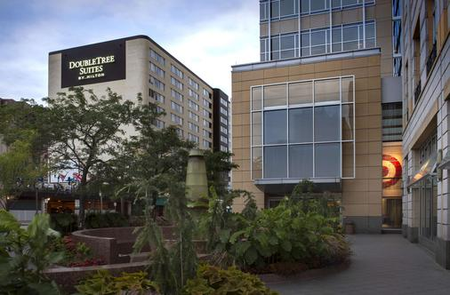 DoubleTree Suites by Hilton Minneapolis - Minneapolis - Building