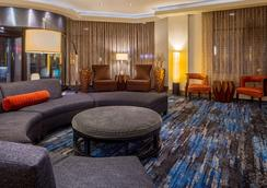DoubleTree Suites by Hilton Minneapolis - Minneapolis - Lounge
