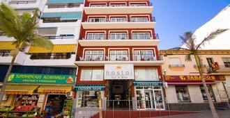 Sol y Miel Hostal - Benalmádena - Building
